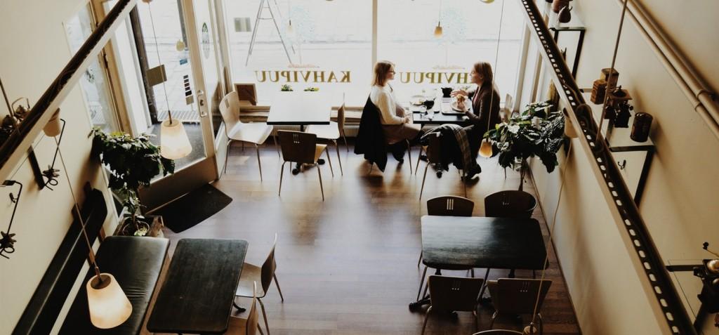 Freundinnen im Cafe