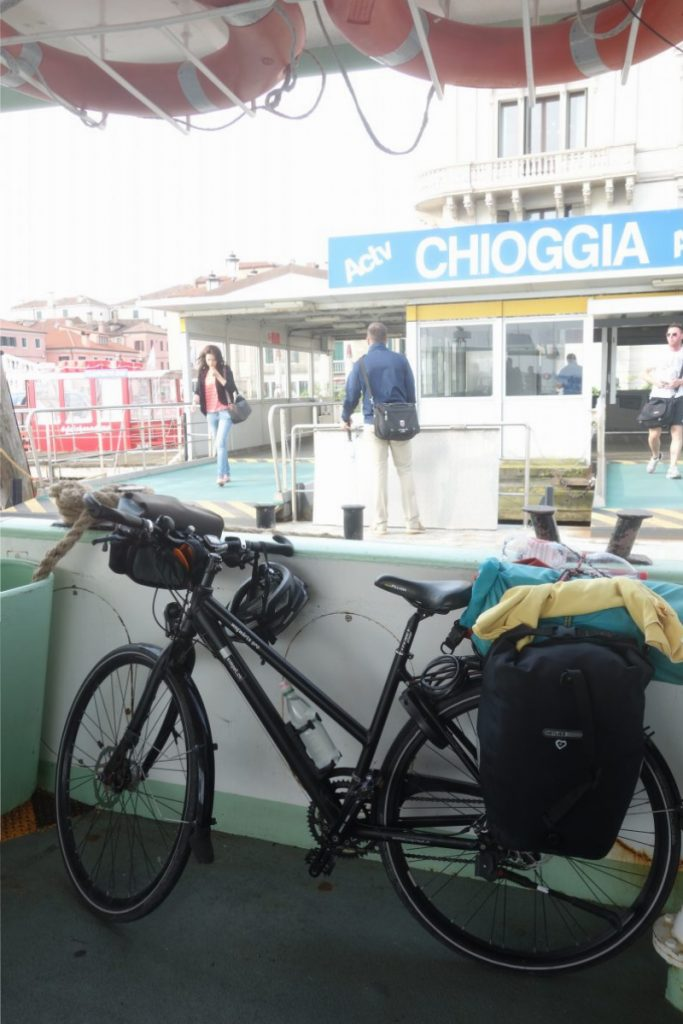 Los gehts: auf der Fähre in Chioggia