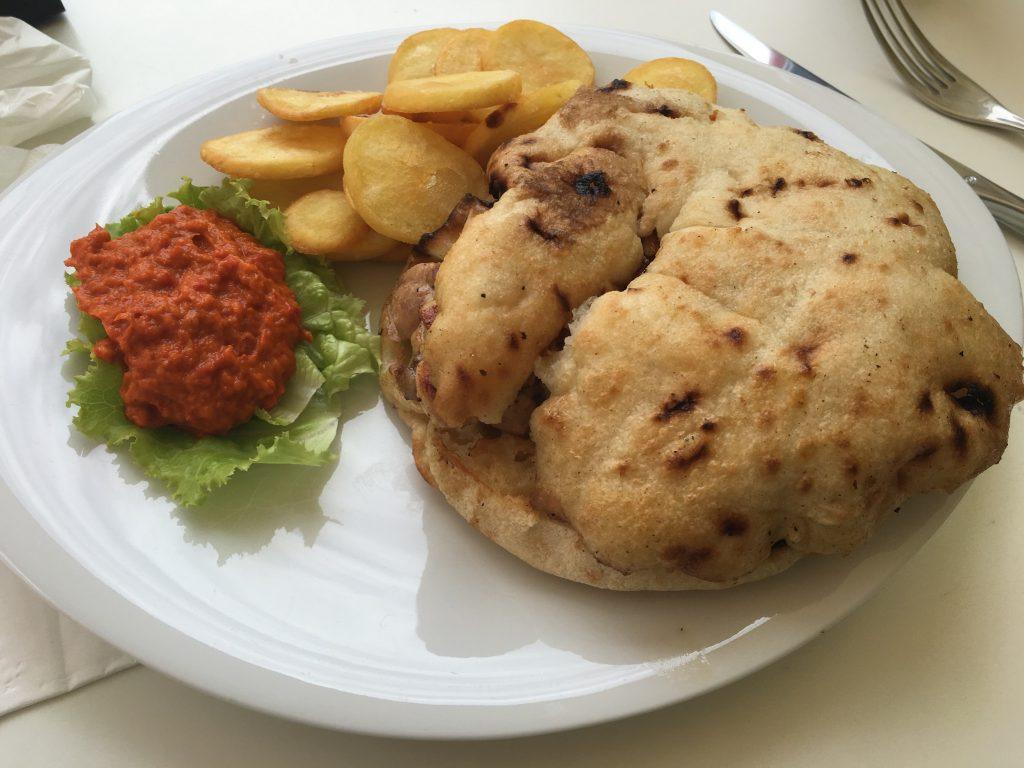 Fast Food in Kroatien - eigentlich wollte ich vor allem Kartoffeln...