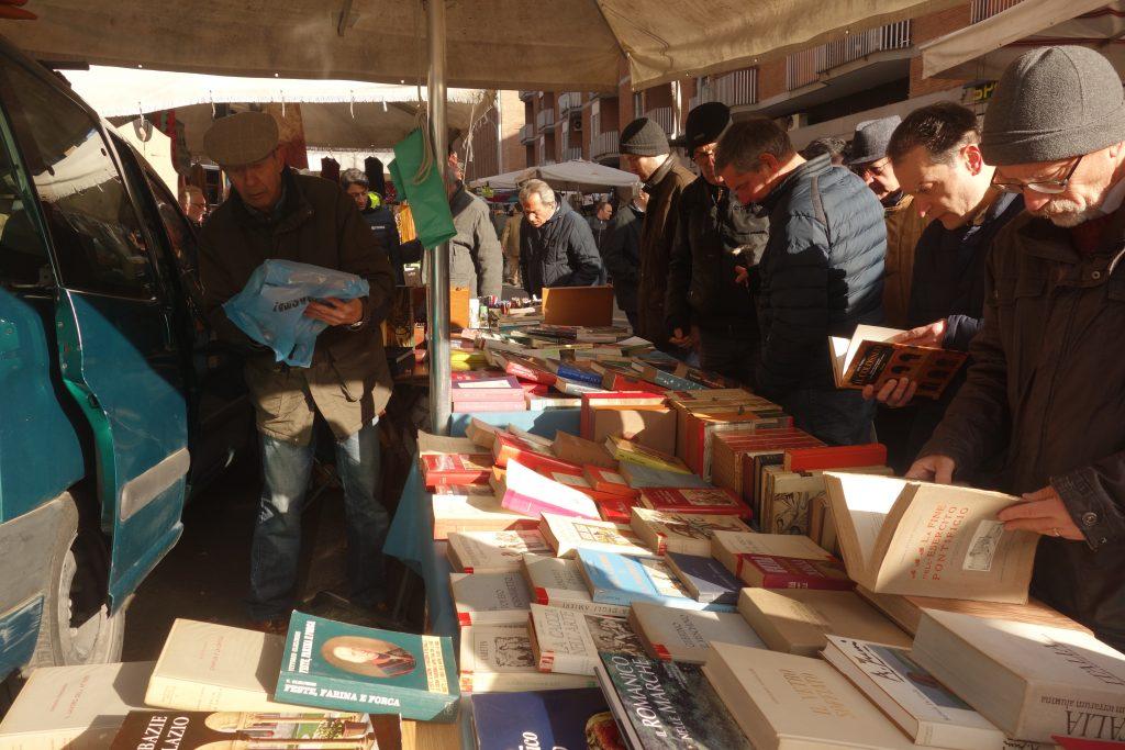Markt von Porta Portese, Trastevere, Rom