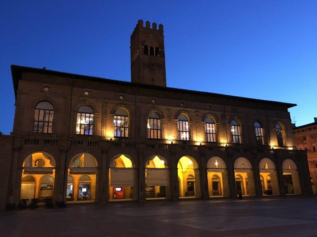 Über Bologna in die Abruzzen