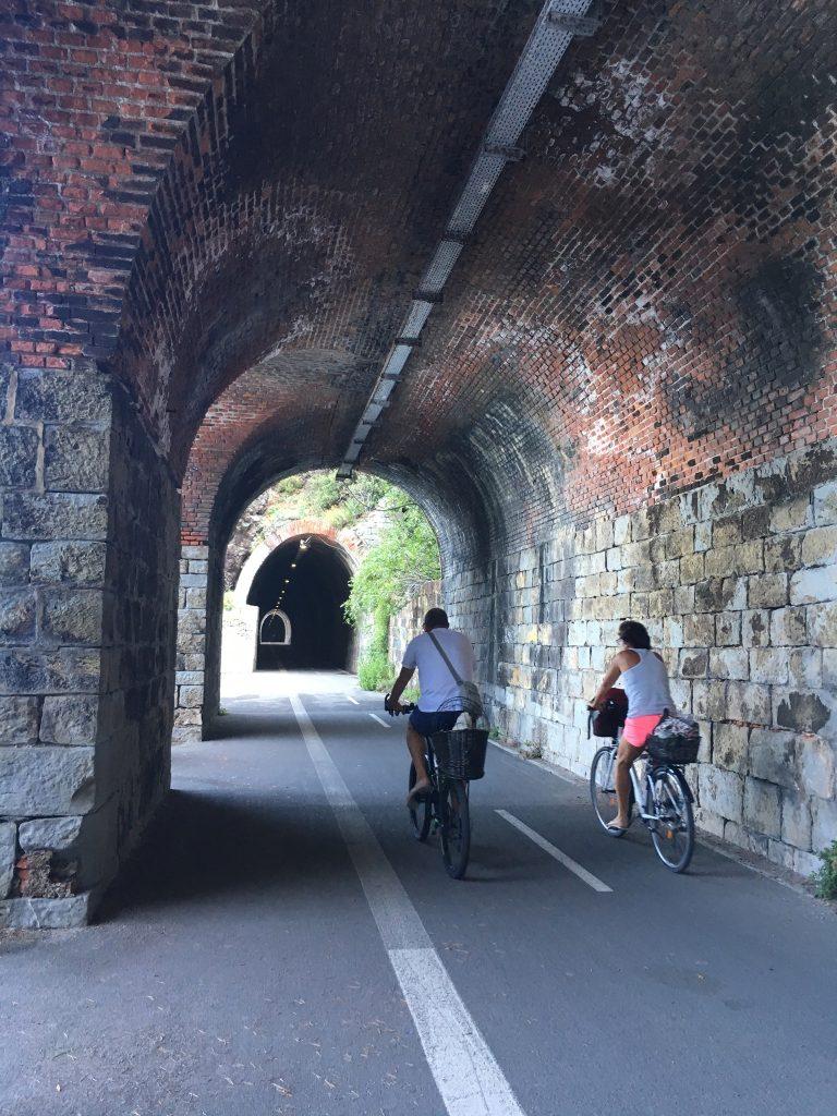 Im Tunnel zwischen Bonassola und Framura