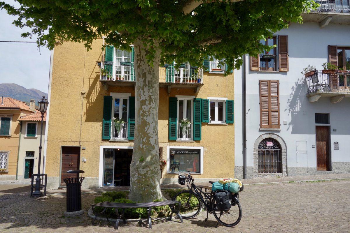 Mittagspause mit dem Fahrrad in Varenna