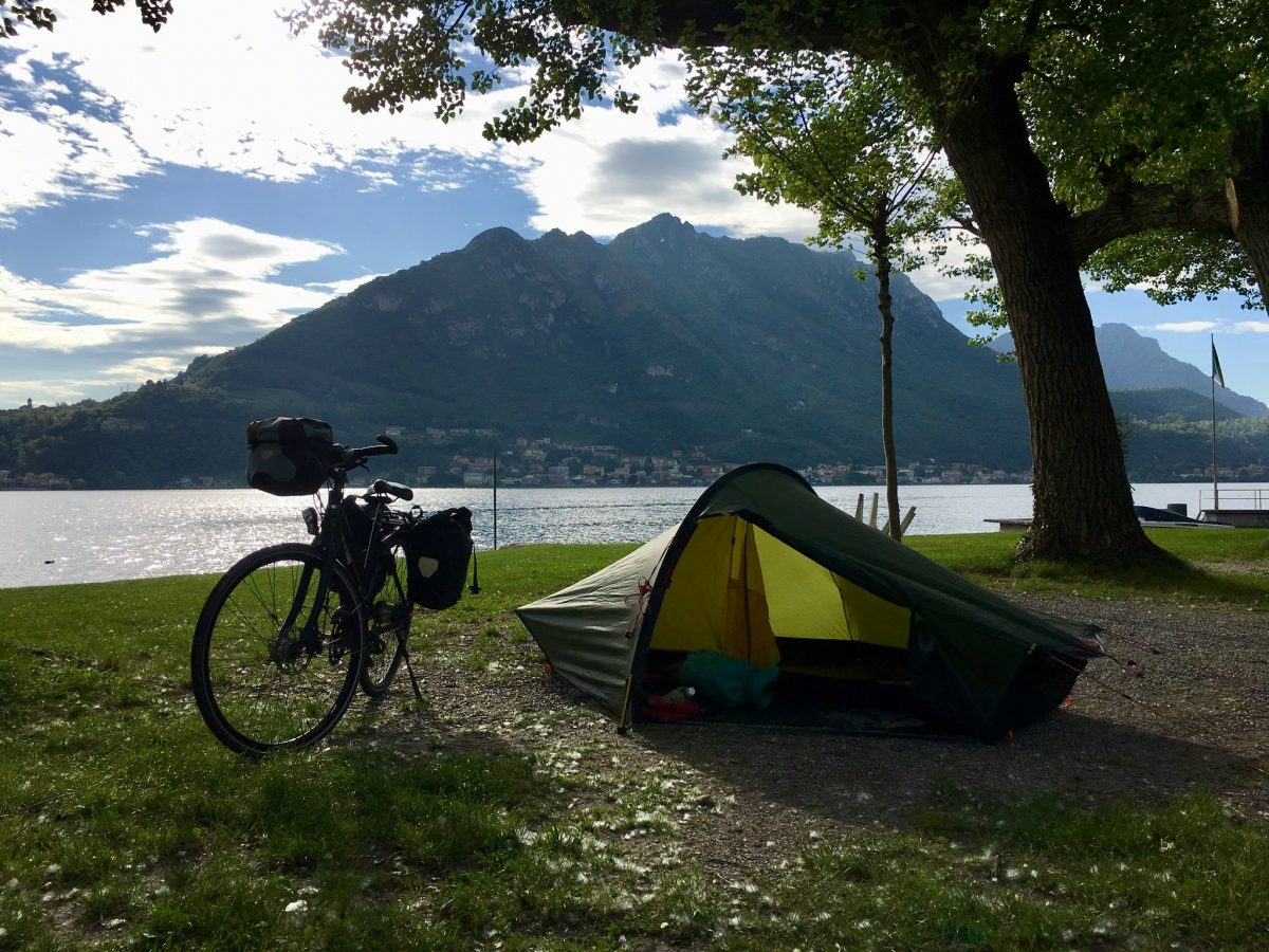 Mit dem Fahrrad am Comersee auf dem Camping