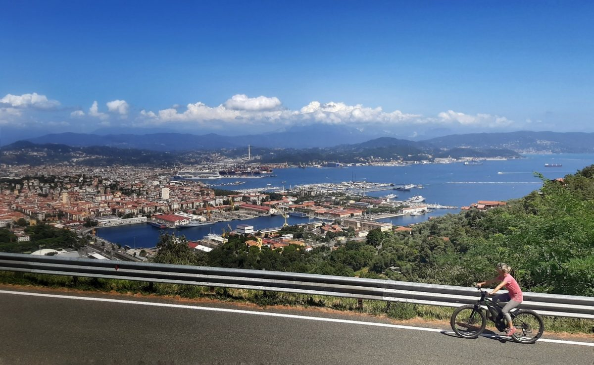 Miss Move unterwegs per E-Bike von Levanto nach La Spezia