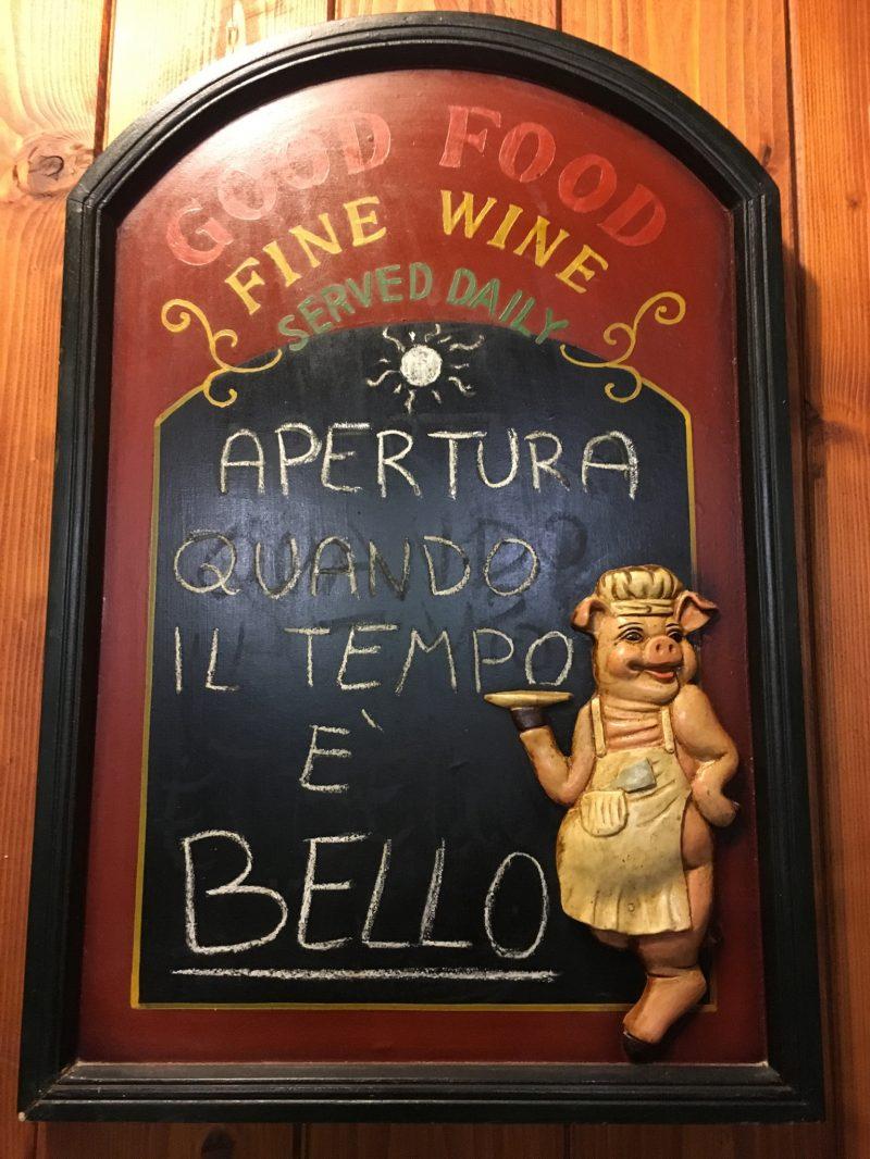 Öffnungszeiten der Focacceria in Genua Nervi
