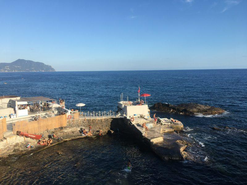 Baden im Meer bei Genua Nervi