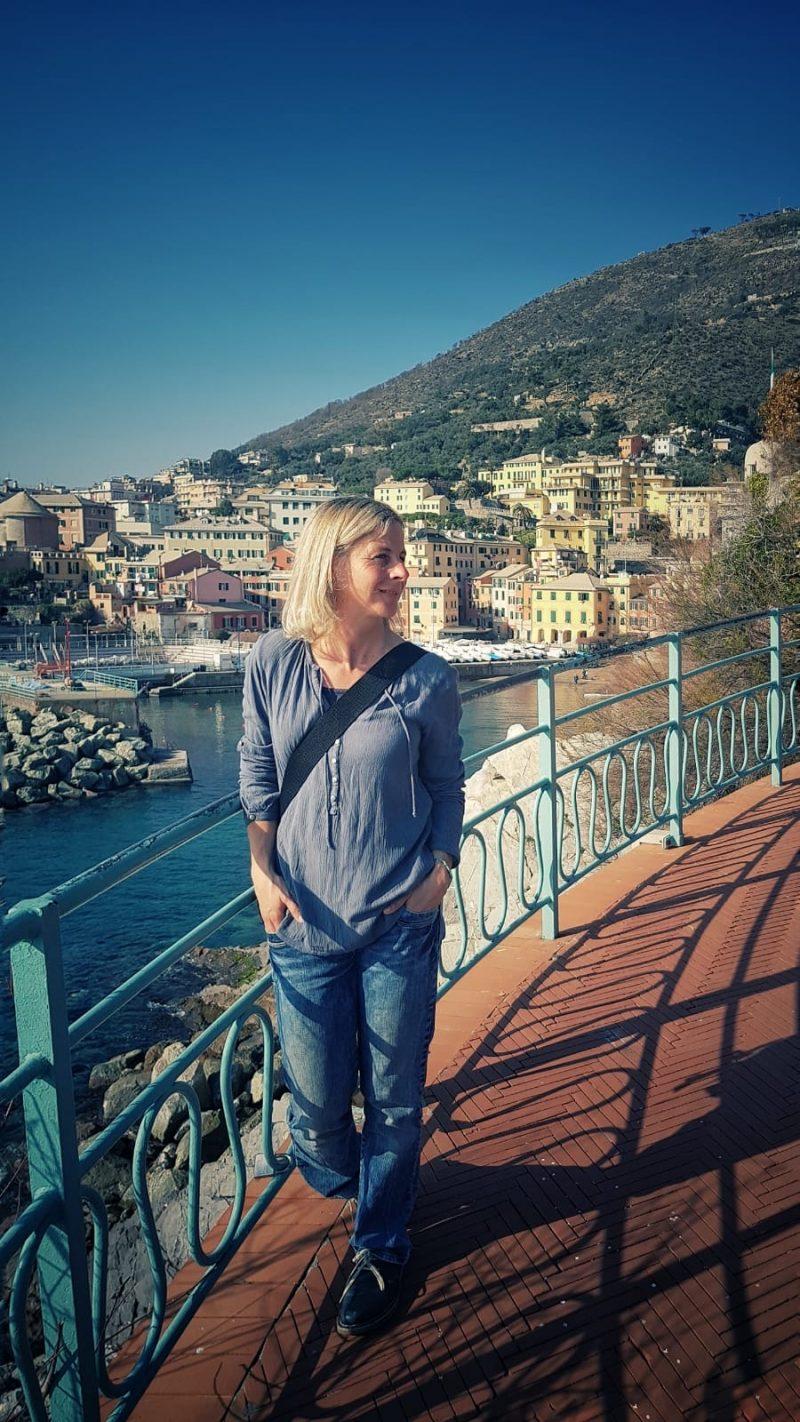 Doro Staub am Porticciolo Nervi auf der Passeggiata Anita Garibaldi in Genua