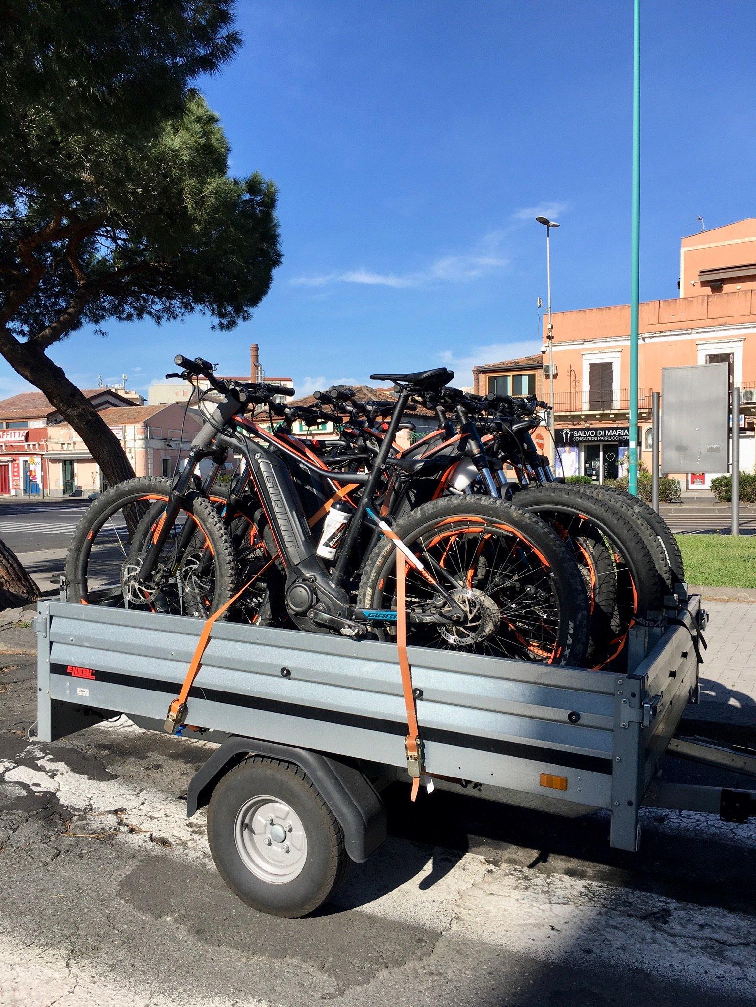 Die Fahrräder sind bereit für ihren Einsatz auf Sizilien