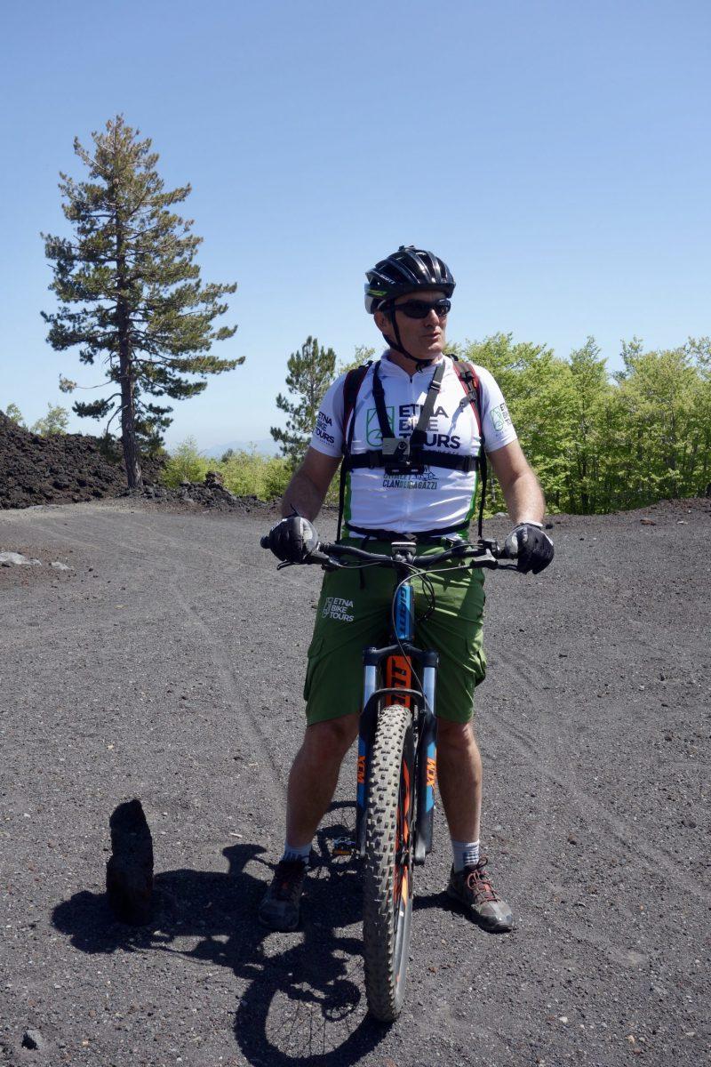 Per E-Bike auf den Ätna