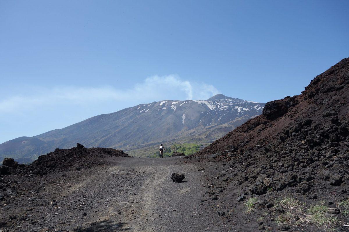 Zum Vulkan per E-Bike, Sizilien