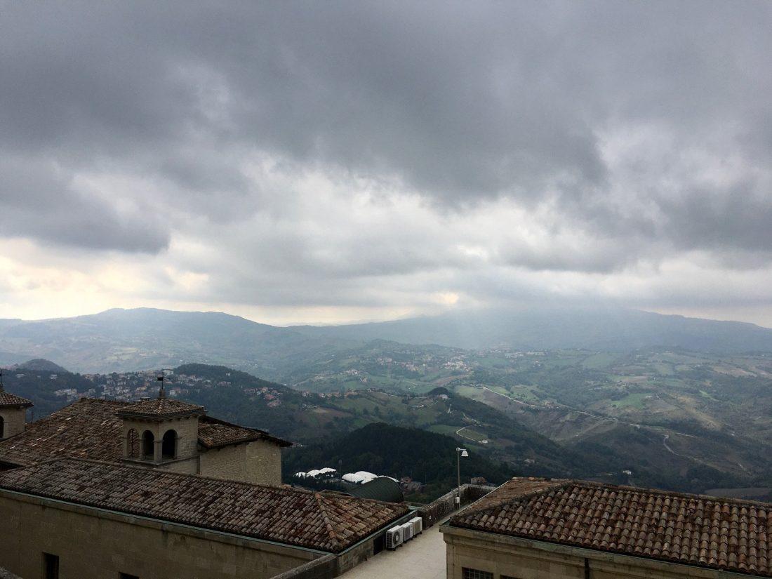 Blick von San Marino auf die Marken