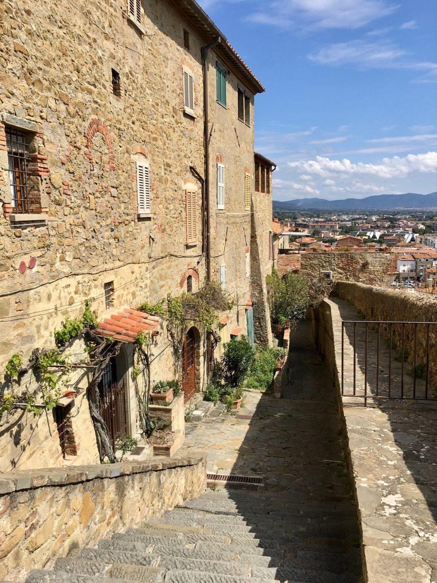 Altstadt mit Aussicht in der Maremma